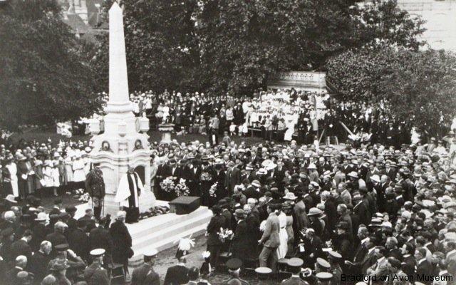 Dedication of the war memorial in 1922