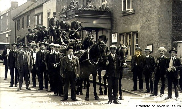 Firemen's outing by horse-drawn charabanc