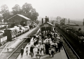 Holt Junction railway staion: Beavens' factory outing c1905