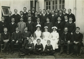 Winsley Sanatorium patients and nurses 1913