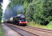 GWR train approaching Bradford on Avon from Bath