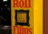 Photographic film dispenser