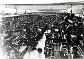 Woollen cloth weaving machinery, Greenland Mills, c1900