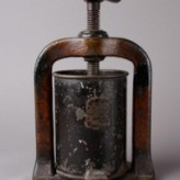 Pharmacy equipment – Tincture presses